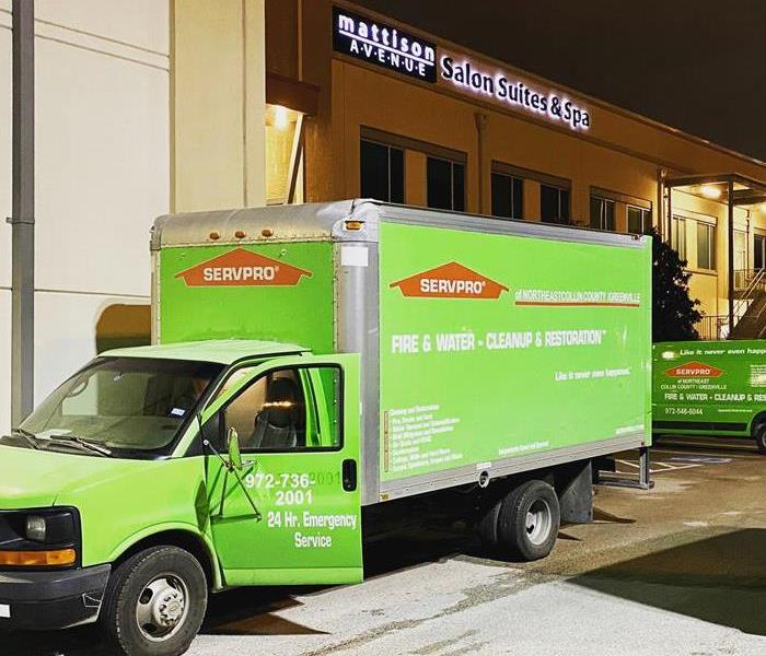 SERVPRO vehicles in front of a commercial property in Allen, TX